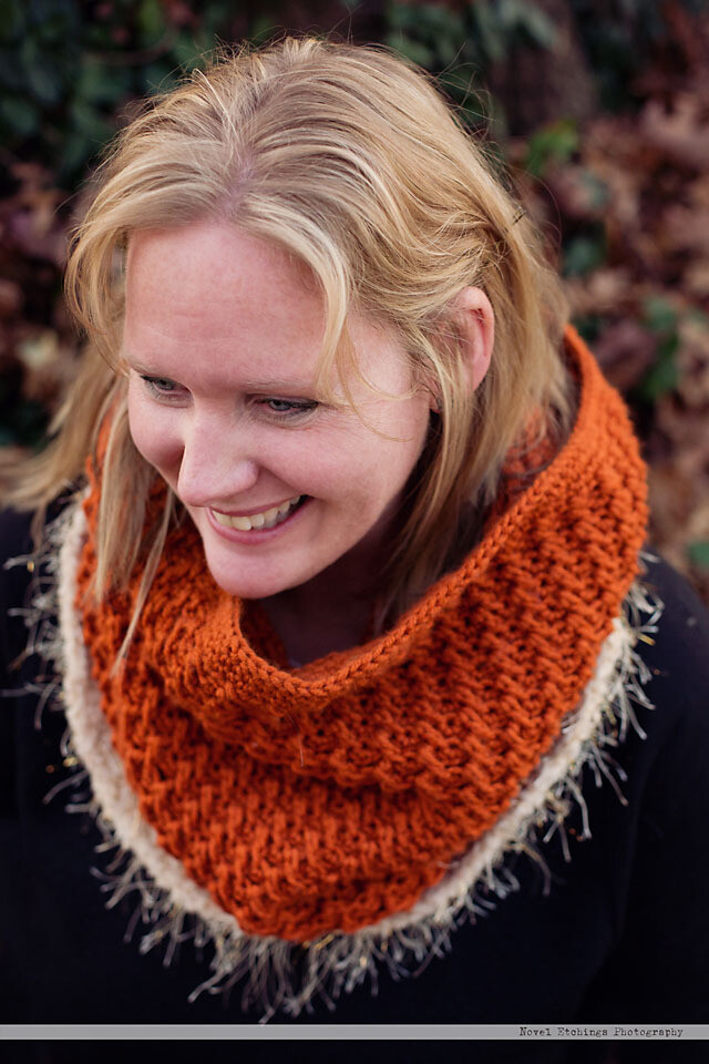Spiral Twist Cowl Crochet Pattern