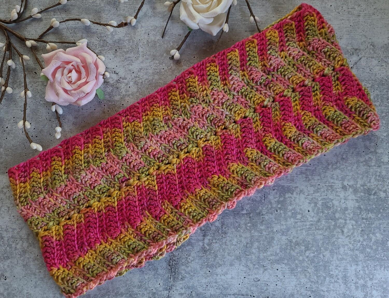 Tropical Cowl Crochet Pattern