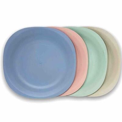 Set x 4 platos cuadrados 18 cm