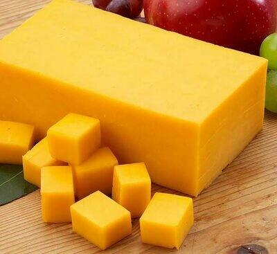 Holsteins Cheddar Cheese +/-220g