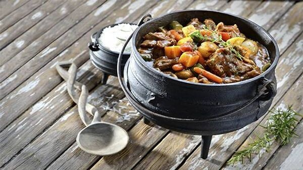 """WINTER """"POTJIE'' HAMPER, great for stews and curry. Beef, Lamb & Chicken."""