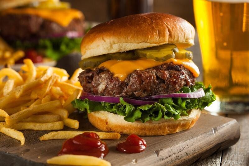 New Pure Beef Burger Patties. (+/-800g) 200g each.