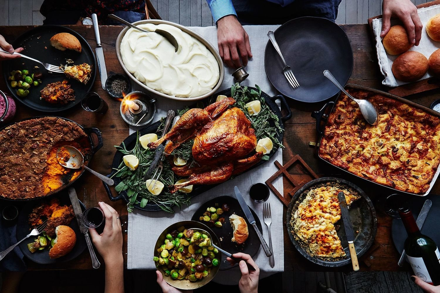 A Fabulous Family Christmas Hamper -  serves +/-, 12 Persons Cooking is required.
