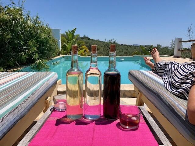 Trinity: Vermut, Limoncello, Anis. 750 ml bottles