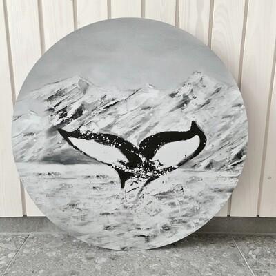 Valaan pyrstö. Mustavalkoinen alumiinitaulu, painettu, 60cm