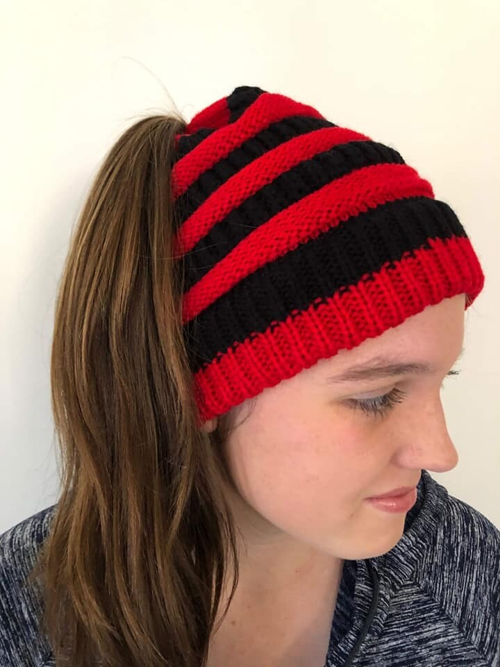Warm Winter Ponytail Beanie - Red and Black