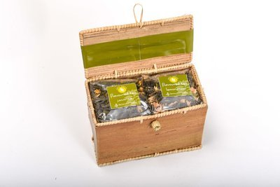 All Natural Set of Tea in Palm Leave Box