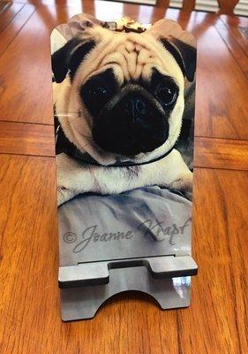 "Phone Stand - ""We Love Pugs!"""