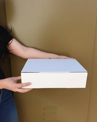 Box Corrugated Parcel Large - 330 x 240 x 85 White (ea)