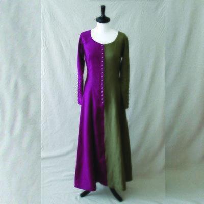 Robe bicolore à boutons