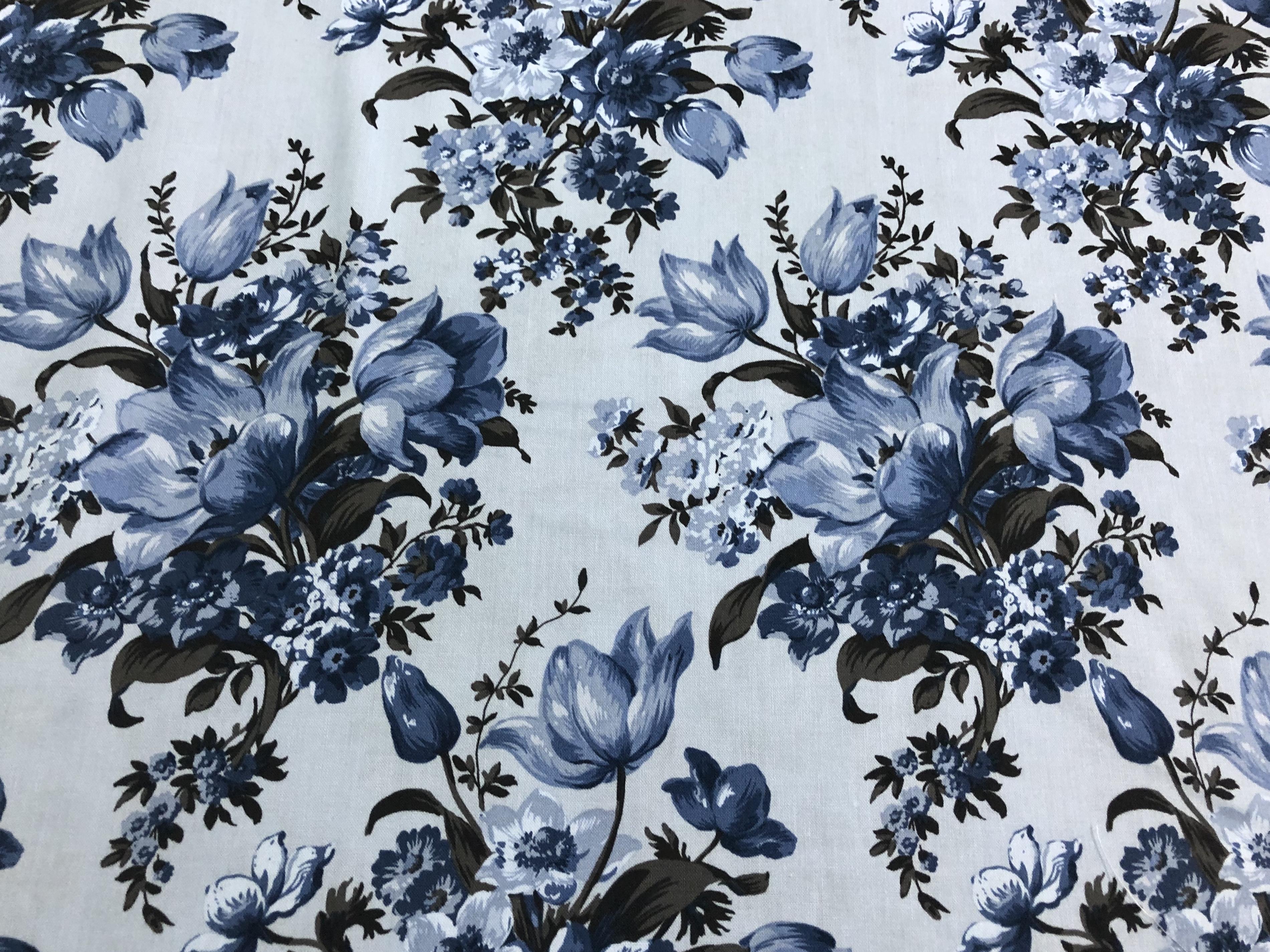 Light Blue Bouquets - Elegant Blooms - 1/2m cut 56361