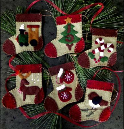 Warm Feet Ornament Kit 56543