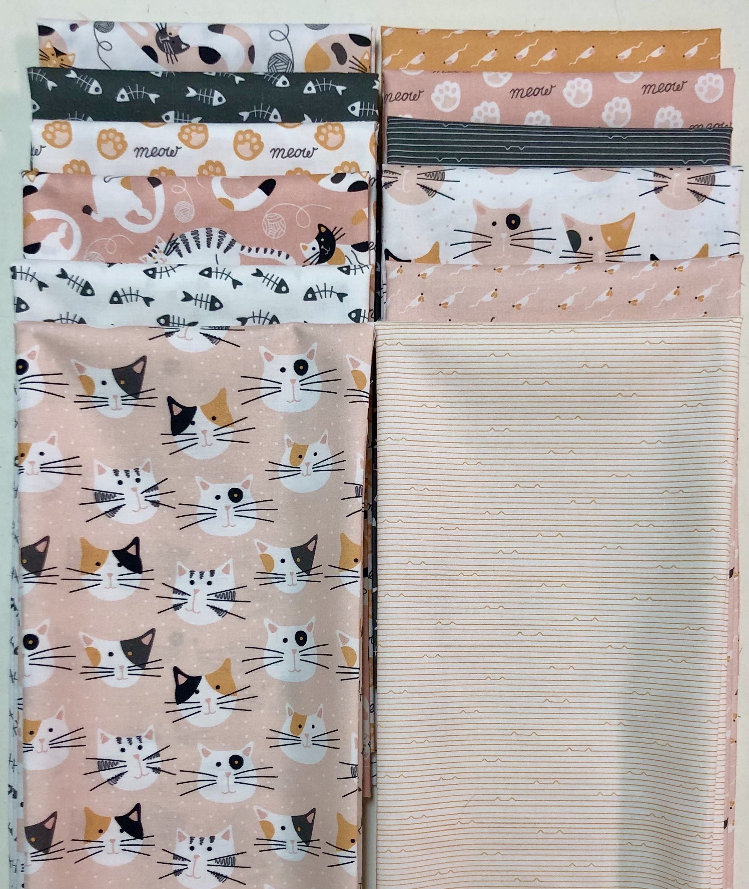 Tails and Whiskers Fat Quarter Bundle 57458