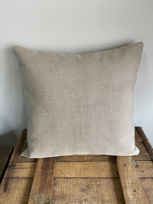 Linen-look outdoor scatter cushion
