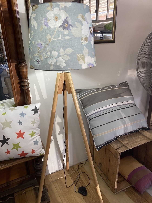 Tripod floor lamp with shade