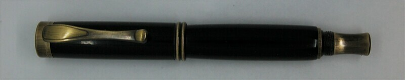 Art Deco 2.0  Fountain Pen - Body color is black resin.