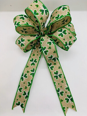 St. Patrick's Day Shamrock Wreath Bow Candle Decoration A Touch of Faith