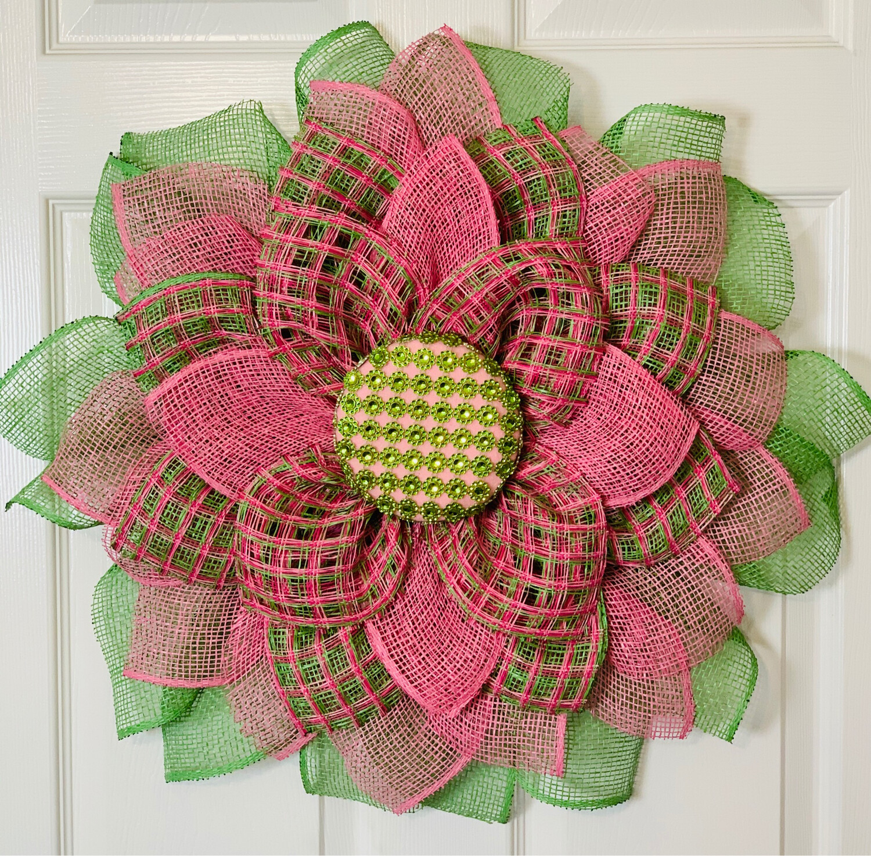 Pink & Green Daisy Wreath