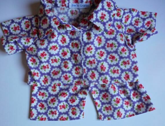 Pyjamas with collar for girl bears in three colour options