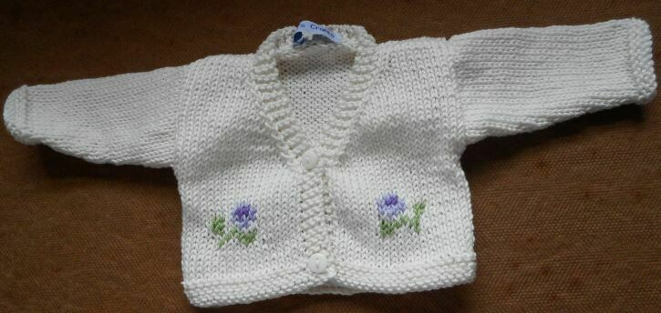 Cardigan for dolls - cream with flowers, in 2 sizes