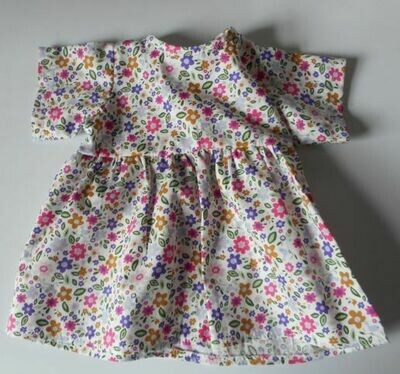 Dress with short sleeves in floral print-doll