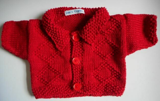 Cardigan with collar - red with diamond pattern on front