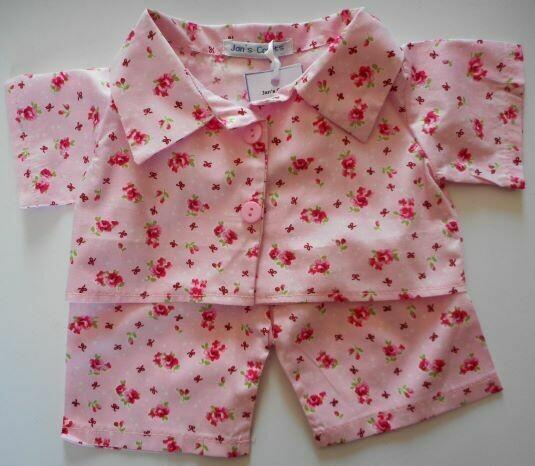 Pyjamas with collar - pink floral print