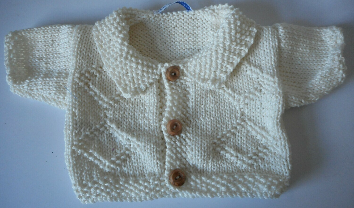 Cardigan with collar - cream with diamond pattern on front