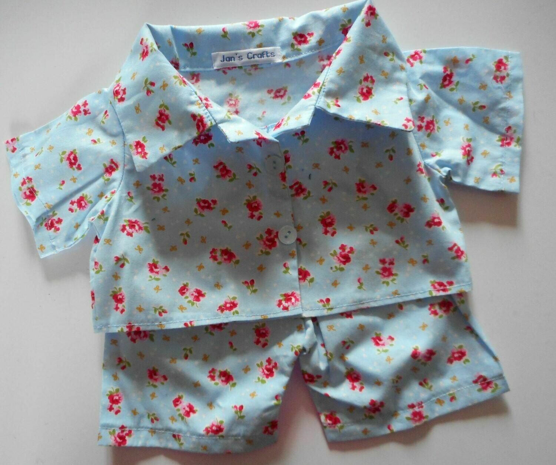 Pyjamas with collar - pale blue floral print