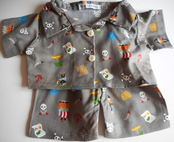 Pyjamas with collar - pirate print.
