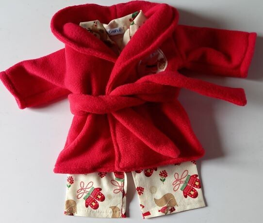 Outfit: Red dressing gown and x-mas pyjama set