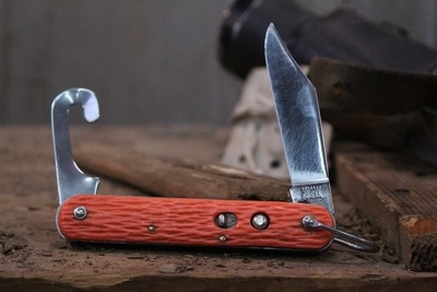 """Schrade Classic MC1 3"""" Paratroopers Automatic Knife, Orange Composite / Polished Stainless With Paracord Hook ( Pre Owned )"""
