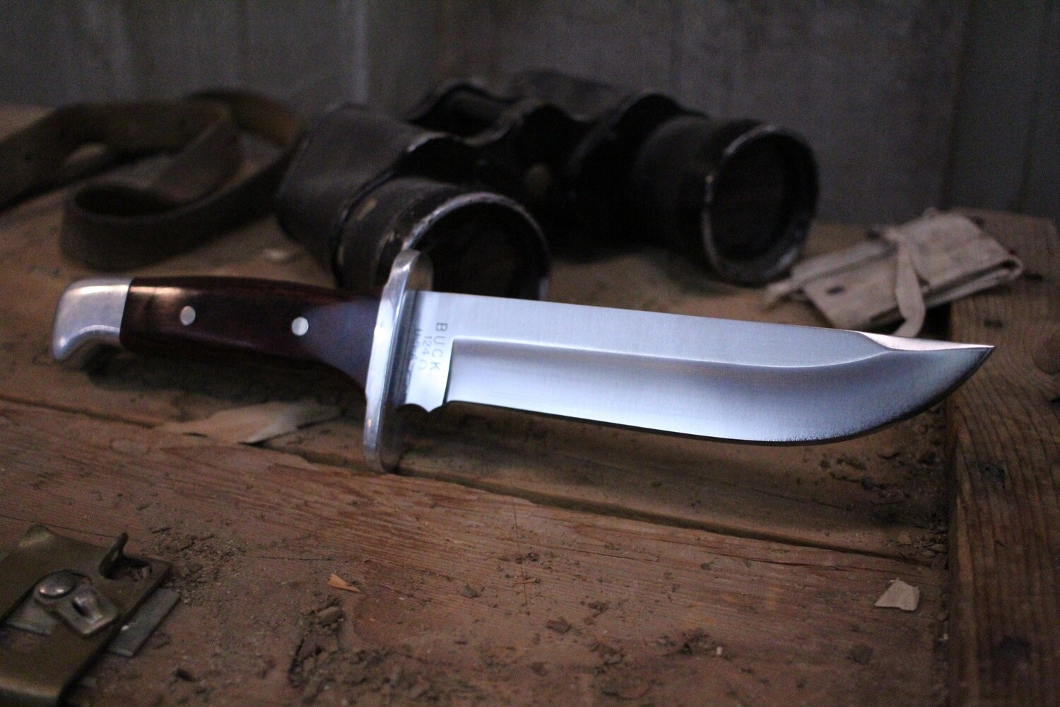 "Buck Classic Model 124 7.5"" Fixed Blade, Rosewood Handle / Satin Clip Point (  Pre Owned )"