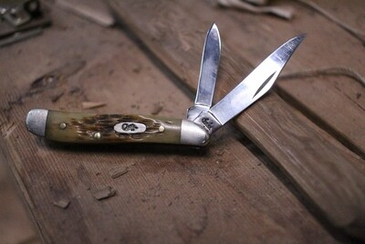 Case Peanut Two Blade / Bone / Satin ( Pre Owned )