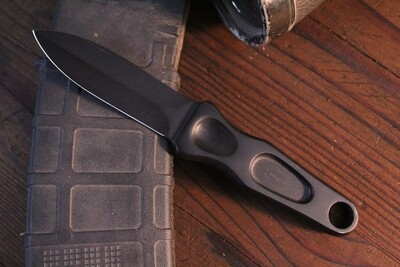 """A.G. Russell Sting 3.5"""" Fixed Blade Knife / Black / Stainless /1977 ( Pre Owned )"""
