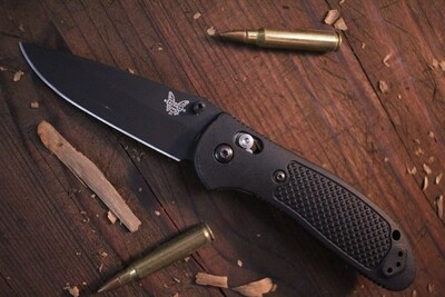 "Benchmade Griptilian 3.45"" AXIS Lock Knife / Black / Black / S30V (Pre Owned)"