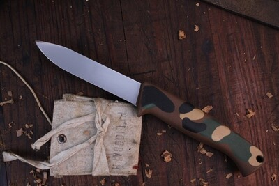 """Gerber Classic A400 4"""" Fixed Blade Knife / Camo  Armorhide / Satin M2HS ( Pre Owned w/ Box)"""