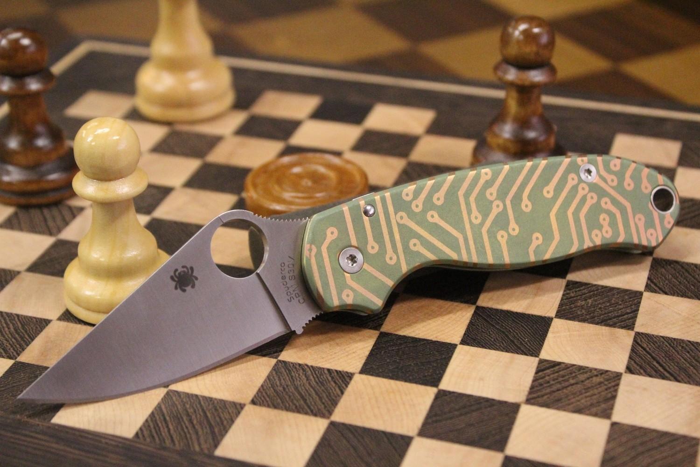 Spyderco Para 3 Compression Lock Knife, Custom Anodized Titanium / Satin