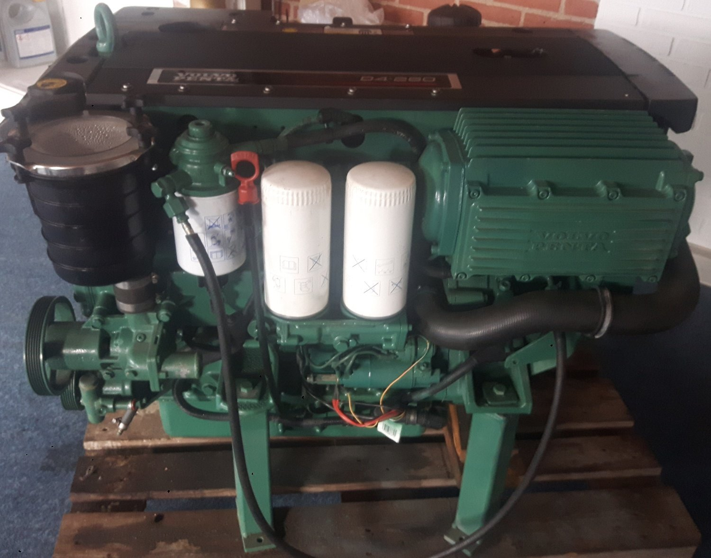 Volvo Penta D4-260 inboard diesel engine in very good condition