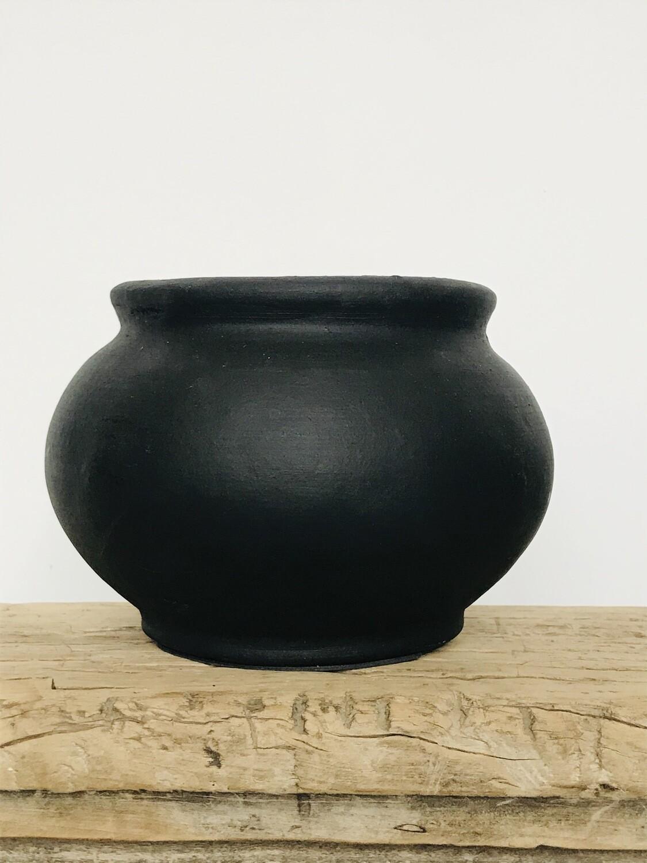 Stenen kruikje zwart