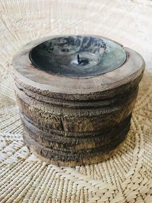 Kandelaar rond oud hout