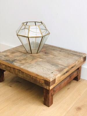 Houten (bijzet) tafel