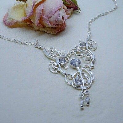 Silver necklace - Zirconia stones