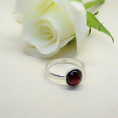 Silver stack of rings - Garnet stones