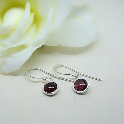 Silver earrings - Garnet stones