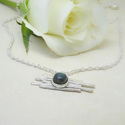 Shiny silver pendant - Labradorite stones