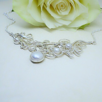 Fairytale silver necklace - Freshwater pearls