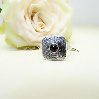 Silver ring - Garnet stone