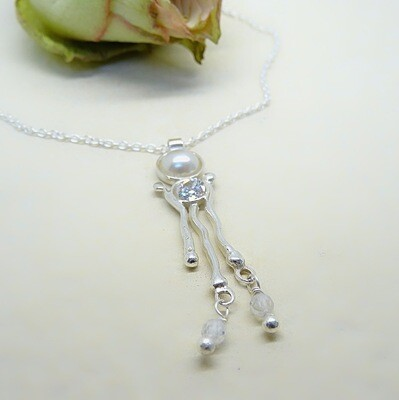 Silver pendant - Crystal stones - Pearls