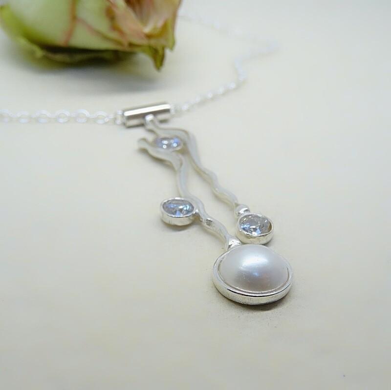 Silver pendant - Crystal stones - Pearls